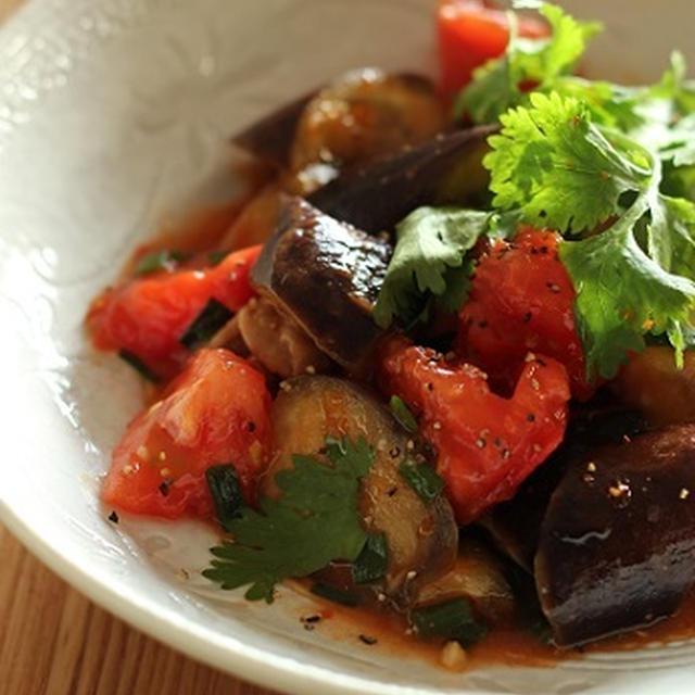 茄子とトマトと豚こま肉の中華風ピリ辛炒め