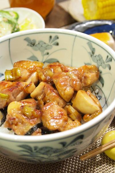 レシピ. 【和食】フライパンで!「ねぎま風☆焼き鳥丼」で簡単晩