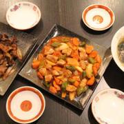 【ランチは、白滝ラーメンと豆腐ステーキです!!】 ..鶏むねチャーシューものせてカロリ...