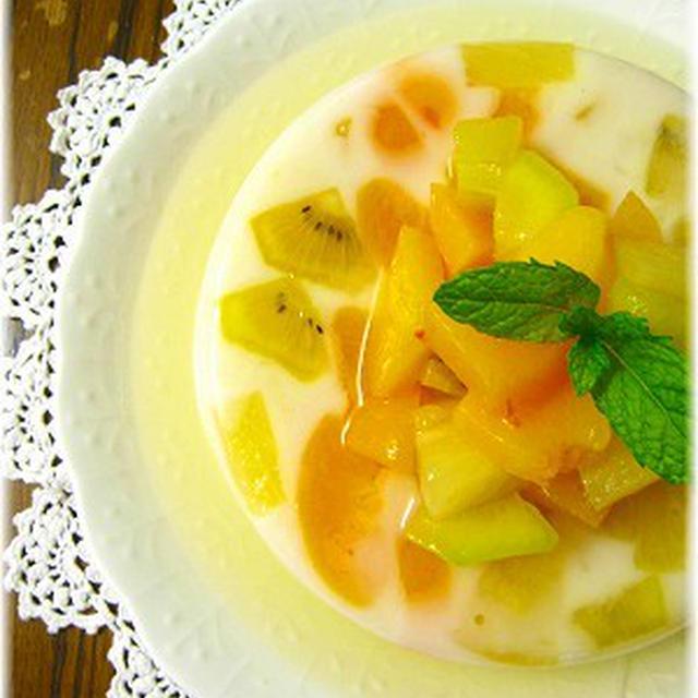 フルーツたっぷり牛乳寒天