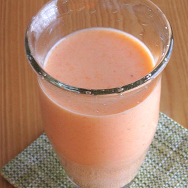 ミネオラオレンジ+にんじん+レモン+ヨーグルトのフレッシュジュース