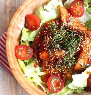 ピリ辛コチュジャン焼肉でサムギョプサル風サラダ