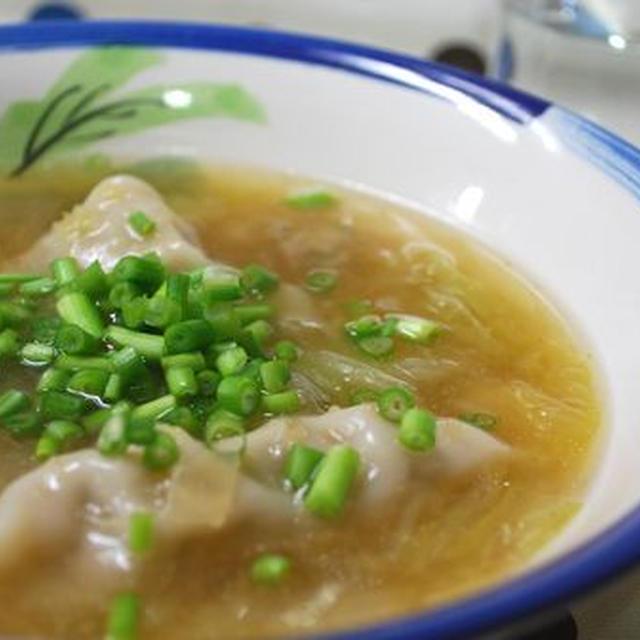 白菜と餃子の生姜スープ