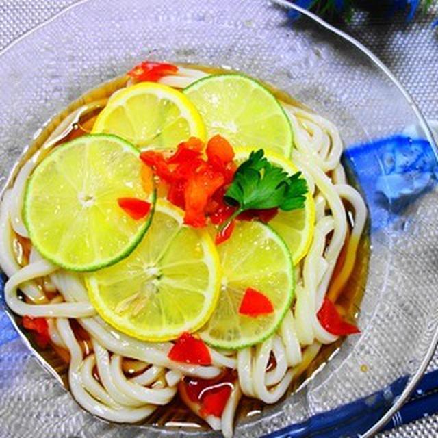 冷やしうどんのレモンライム♪すっきり酸味と旨みですすっと