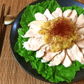 夢中なる香り。甘辛葱塩ナンプラーのピリ辛しっとり茹で鶏(糖質3.4g) by ねこやましゅんさん