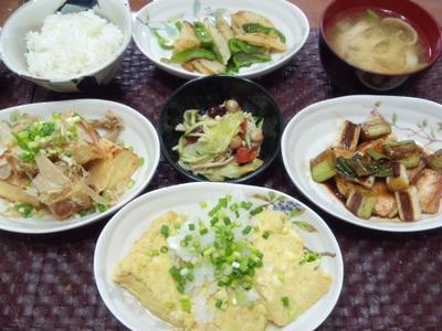 【献立】鶏胸肉長ねぎ照焼き、油揚げカリカリ焼き、だし巻き玉子、じゃがいもピーマンバター炒め、豆サラダ
