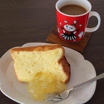 アヲハタのリンゴジャムとシフォンケーキ