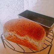 黒ごま食パン♪ウインナーサンド♪