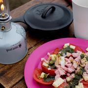 パスタソースと即席麺で簡単キャンプ飯