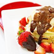 カルダモン香る いちごチョコパンケーキ