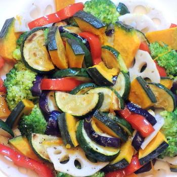 沢山の野菜を盛り付けて☆彩りサラダ☆☆