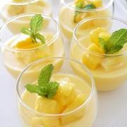 25日はプリンの日♪フレッシュな味わいのフルーツプリンはいかが?