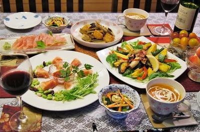 【ささやかな菜園野菜で収穫祭^^♪】一応おもてなし料理のつもり>。!/プラカップ園芸も。