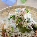 アマニ油で健康!玉葱と若布のぶっかけ蕎麦 by 槙 かおるさん