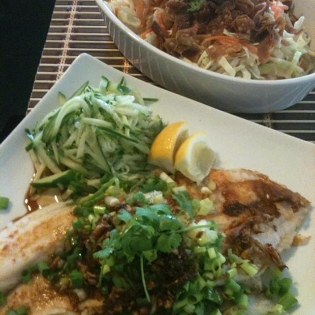 白身魚のガーリックジンジャーソース&アジアンコールスロー