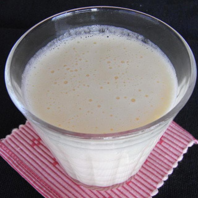 洋ナシ+みかん+ヨーグルトのフレッシュジュース