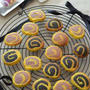 2色のくるくるクッキー。[薄力粉・バター]★☆☆ ハロウィンカラー♪