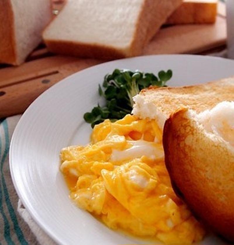 忙しい朝のヘビロテメニュー!スクランブルエッグをアレンジ!