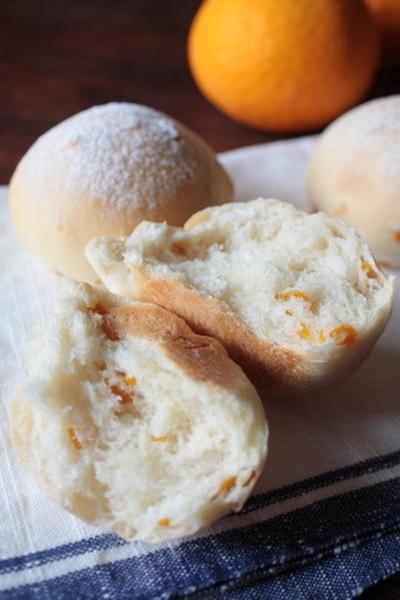 オレンジピールのパン。