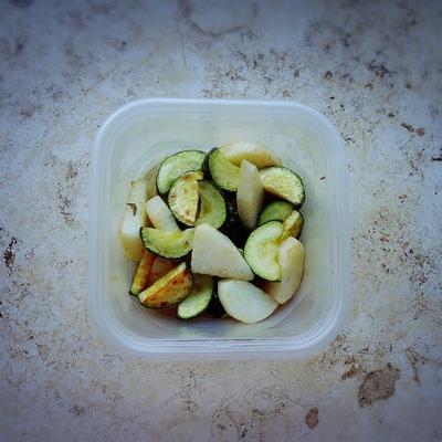 揚げ物で作り置きすれば、朝楽チンの お弁当