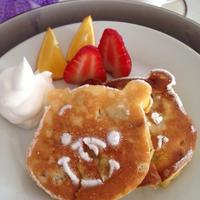 少し甘い朝ごはん『ヨーグルトパンケーキ』 ☆フルーツとクルミをたっぷり入れてね♪♪