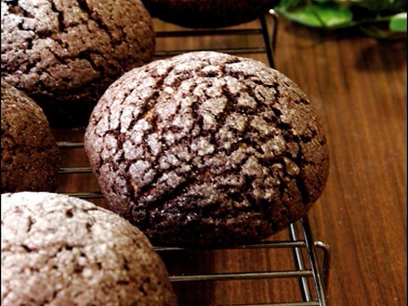 まるで岩石♪甘いココアクッキーパン