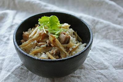 簡単・楽ちん!鶏とゴボウの混ぜご飯
