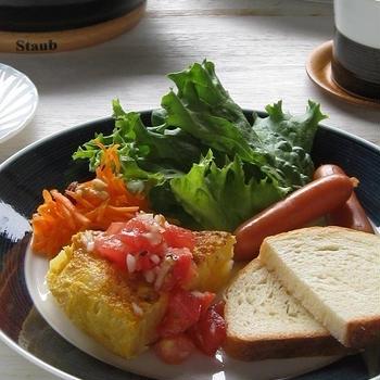 スパニッシュオムレツ ~フレッシュトマトソースでワンプレート♪