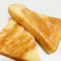 *シナモンシュガーで甘いトースト*