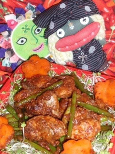 鶏肉とニンニクの茎の辛味噌炒め&米茄子と香味野菜の胡麻サラダ(お家カフェ)