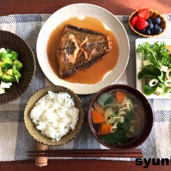【簡単!!魚・副菜レシピ】ごく普通のカレイの煮つけと、和え物など
