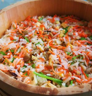 余った御節の酢の物と煮しめをIn家族の好評の散らし寿司
