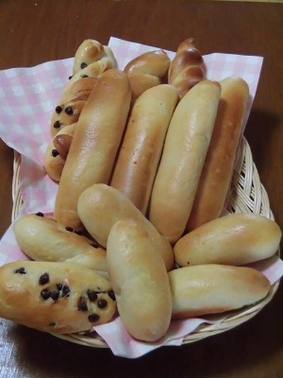 スティックパンと 短いおやつパン~♪