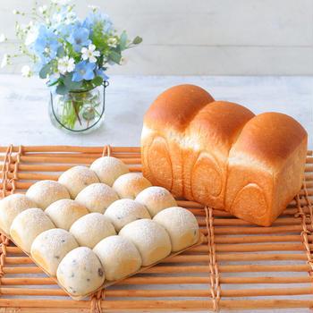 シンプル食パンとチョコバナナパン♪