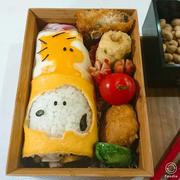 スヌーピーデコ太巻き弁当
