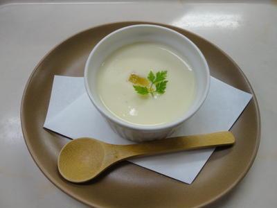 今日は食感☆ 冷やしスープ始めました! ヴィシソワーズ c/w 背番号11
