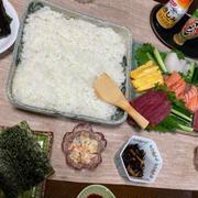 手巻き寿司にしました!!