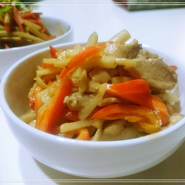 【米粉Recipe:鶏と蓮根の青椒肉絲風】イタリアに行きたいのに中華