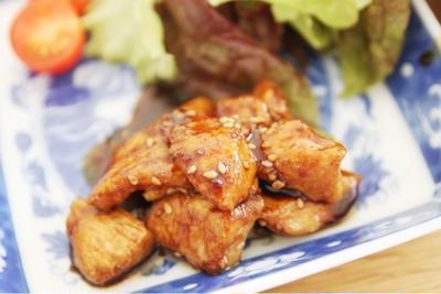 鶏胸肉でしっとりピリ甘辛炒め