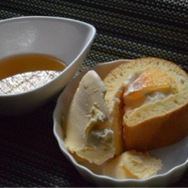 りんごと柿のマスカルポーネサラダのパンケーキロール