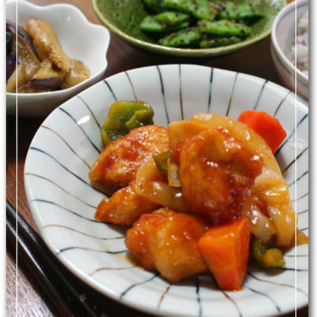 酢鶏とモロッコ豆のしょうゆ麹黒ごま和え