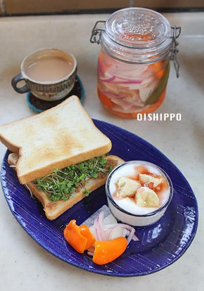 大根ピクルスや作りおきいろいろで朝ご飯