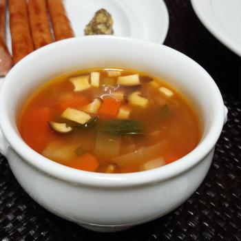 旨みたっぷりトマトスープ