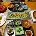 サーモンマリネと鶏ときゅうりのカレーマヨサラダと小鉢6品にプチトマト食べ放題付きの晩酌