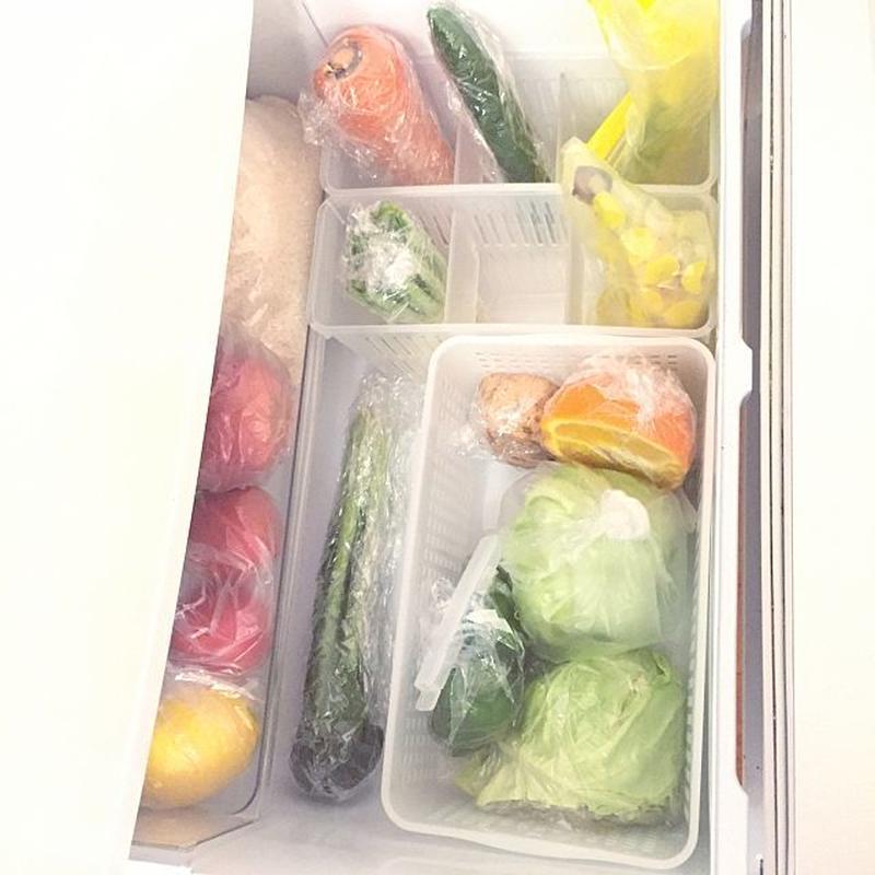 寒がりなものも多い野菜は、低温障害で傷むのを防ぐために、冷蔵室よりも温度の高い野菜室へ入れるのが一般...