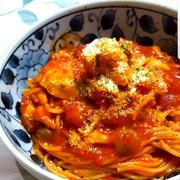 鶏肉とシメジのトマトソースパスタ