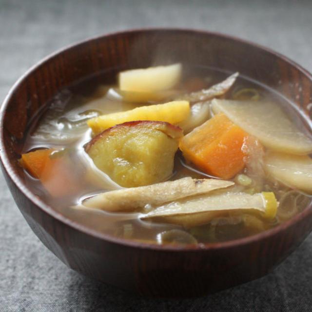 さつまいも入りけんちん汁~レシピあり【オカザキッチン 冬の漢汁祭】