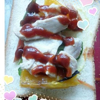 ブルドック うまソース トマトタイプ de 鶏とパプリカのオープンサンドのれしぴ