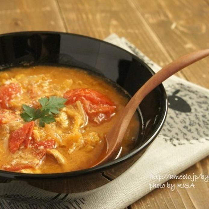 白菜とトマトのピリ辛スープ