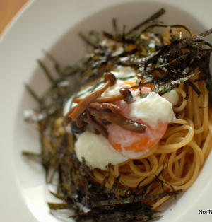 バター焦がし醤油で♪きのこと海苔の温玉パスタ~Japanese Pasta~
